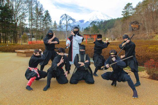 忍野 しのびの里 口コミをご紹介 忍者に会える 忍者になれる 忍者体験ができる 忍者ショーがみれる!忍びの里 チケット・アクセス情報をご紹介